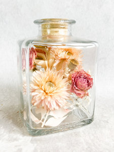 Glazen fles, droogbloemen div. kleuropties
